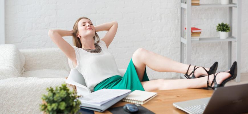 8 полезных упражнений - прямо за рабочим столом