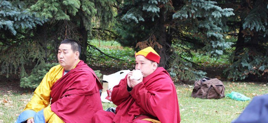 Буддийские священнослужители