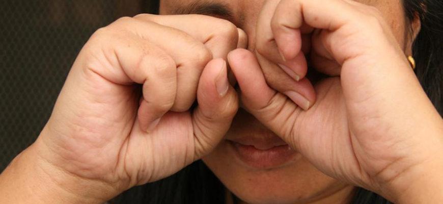 Жжение в глазах помогло англичанке вовремя обнаружить смертельную болезнь