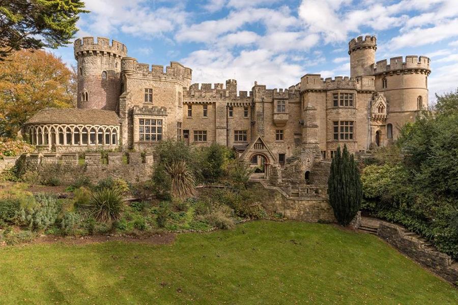 В Великобритании продают «самый великолепный во всем христианском мире» королевский замок