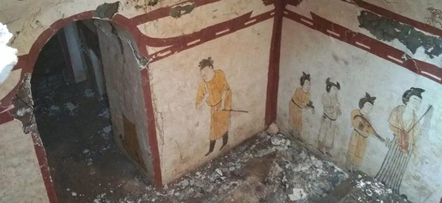 В Китае на школьной площадке нашли роскошную гробницу периода правления династии Тан