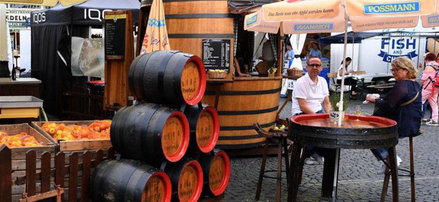В Германии знаменитый фестиваль сидра собрал тысячи туристов