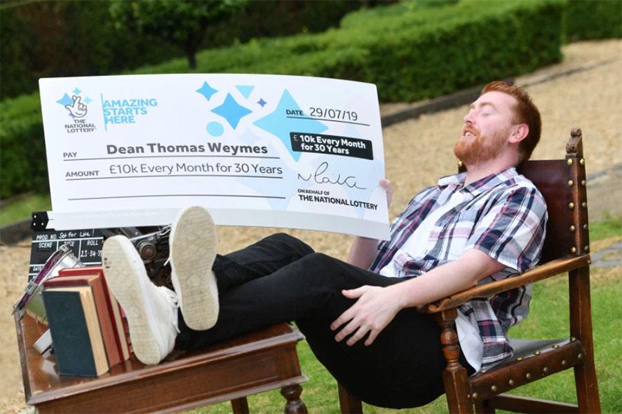 Житель Великобритании выиграл «пожизненную» национальную лотерею