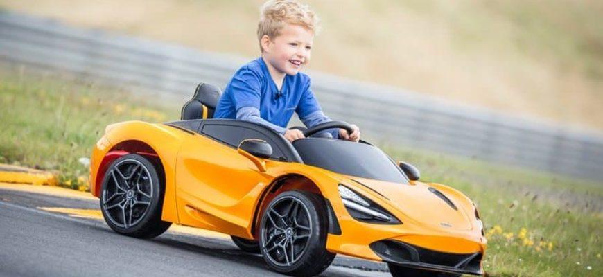 Восьмилетний мальчик угнал машину и проехался со скорость 140 км/час