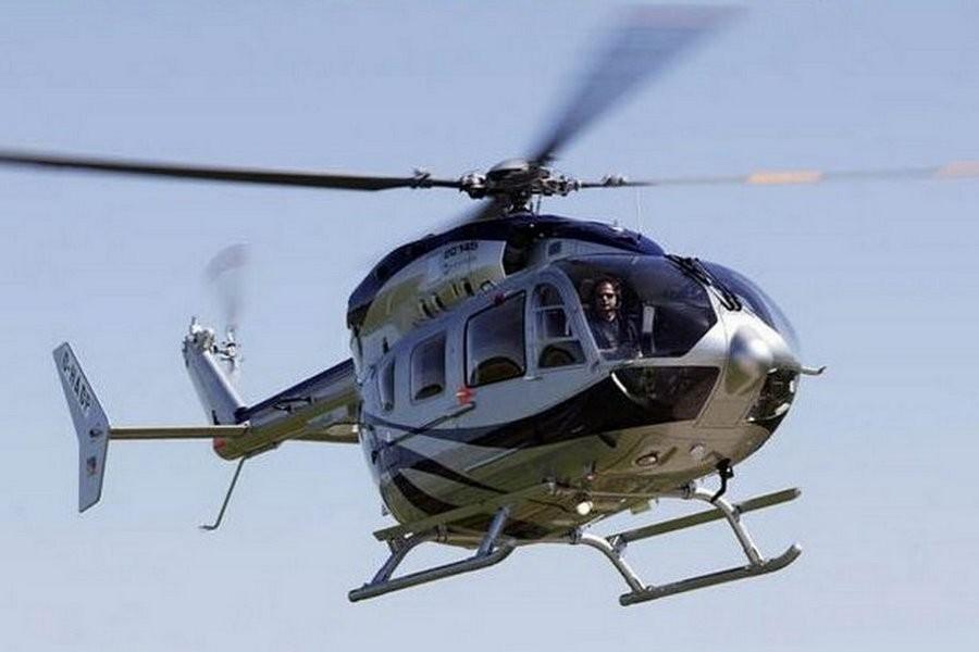 Женщина подала в суд на полицейского, который подглядывал за ней на пляже из вертолета