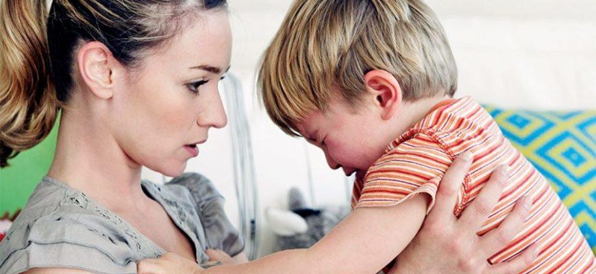 Женщина заставила здорового сына решиться на 13 операций