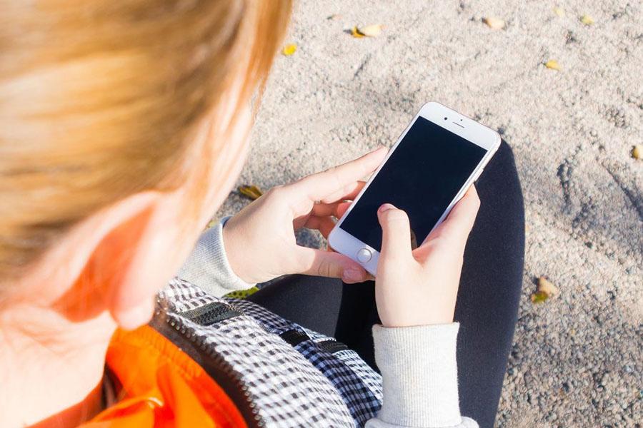В Великобритании женщину сочли мертвой и лишили ее сотовой связи