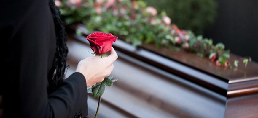 Похороны завершились массовым поджогом из-за нехватки органов у покойного