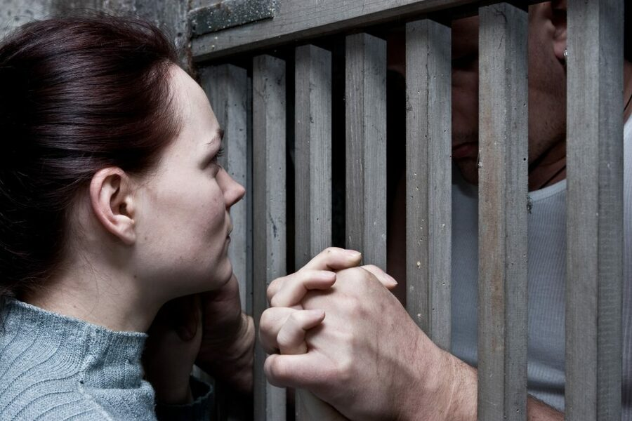 Англичанка собралась замуж за мужчину, осужденного за двойного убийство
