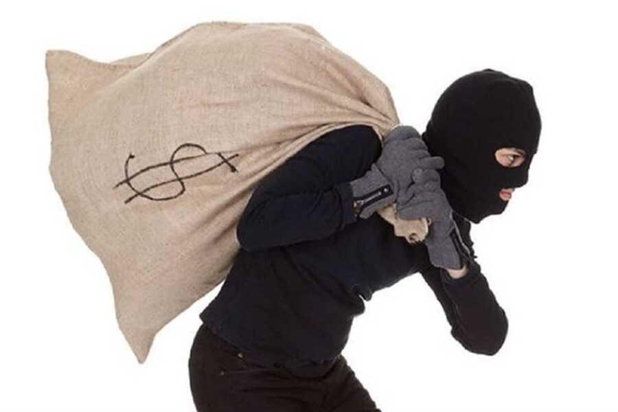 Полиция арестовала грабителя, который забыл свой телефон на месте преступления