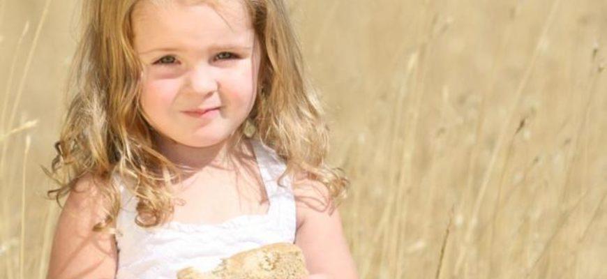 11-летняя девочка прогнала вора, закидав его хлебом