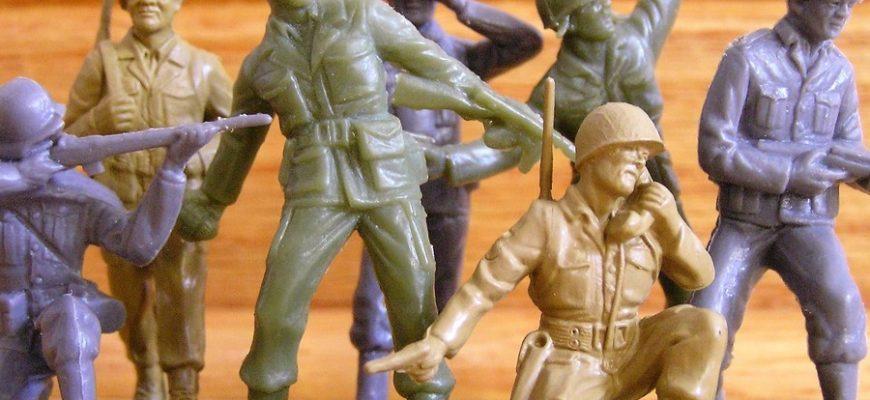 В США начнут выпускать игрушечных солдат-женщин по просьбе 6-летней девочки