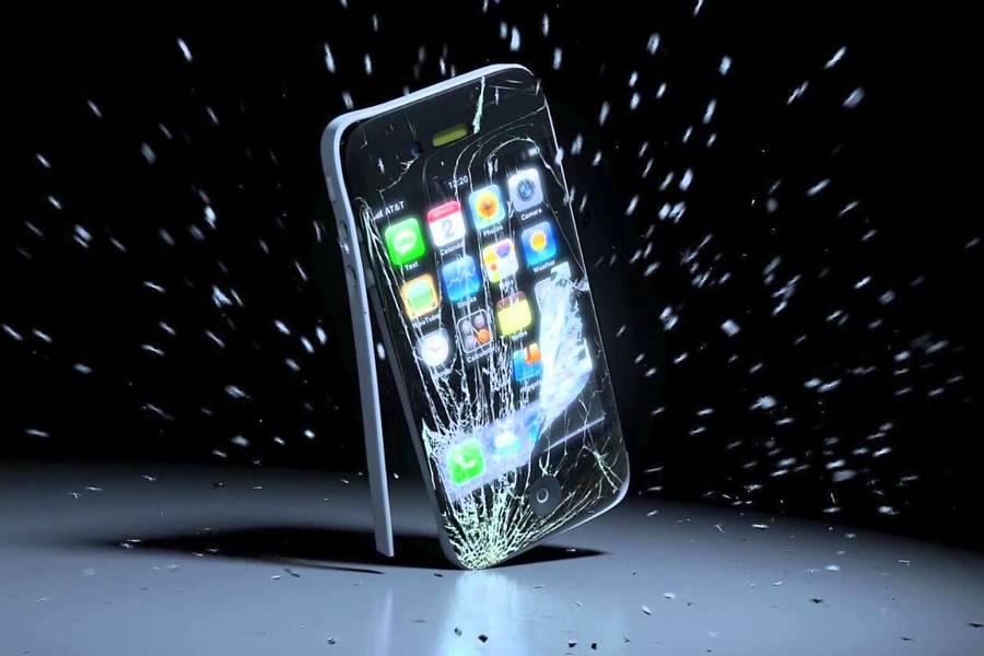 Фотографу вернули iPhone через год после того, как он выпал из самолета