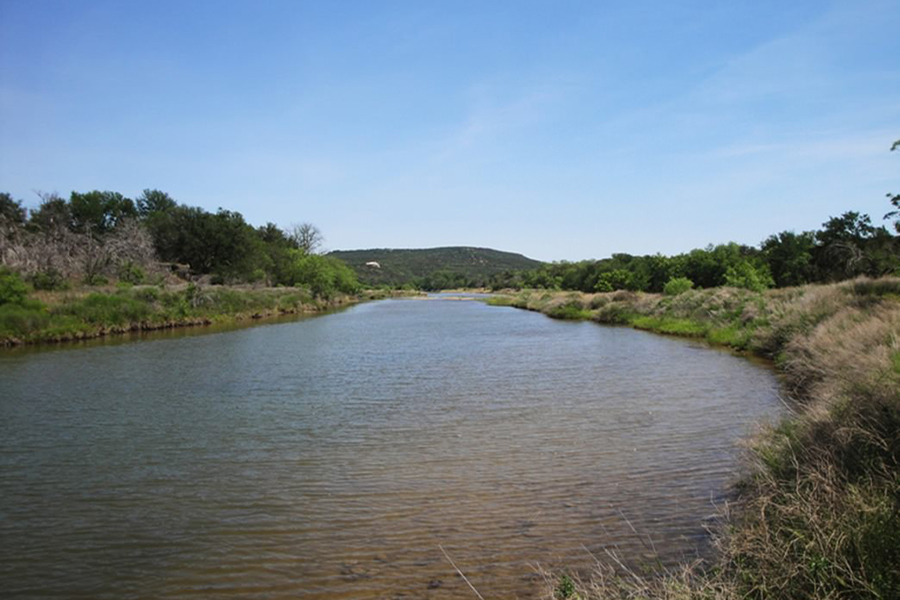 В США девочка умерла после купания в реке