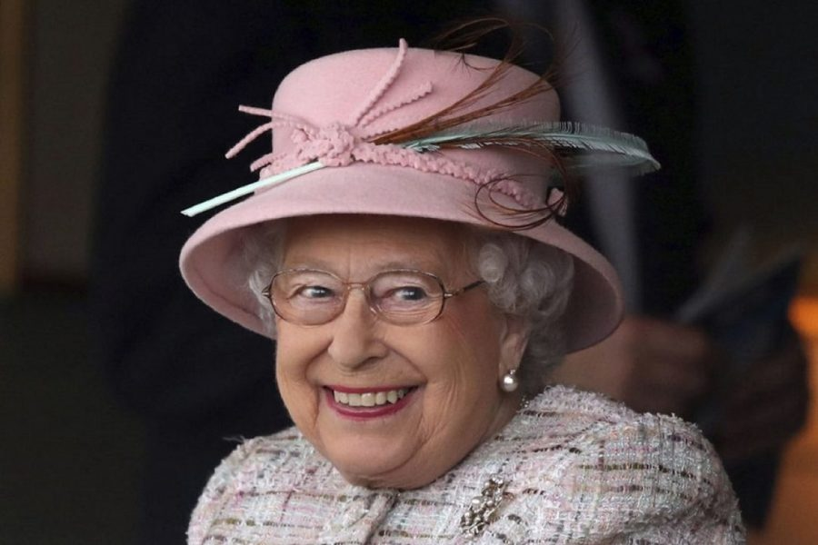 Британца наказали за письма для королевы Елизаветы с безвредным белым порошком