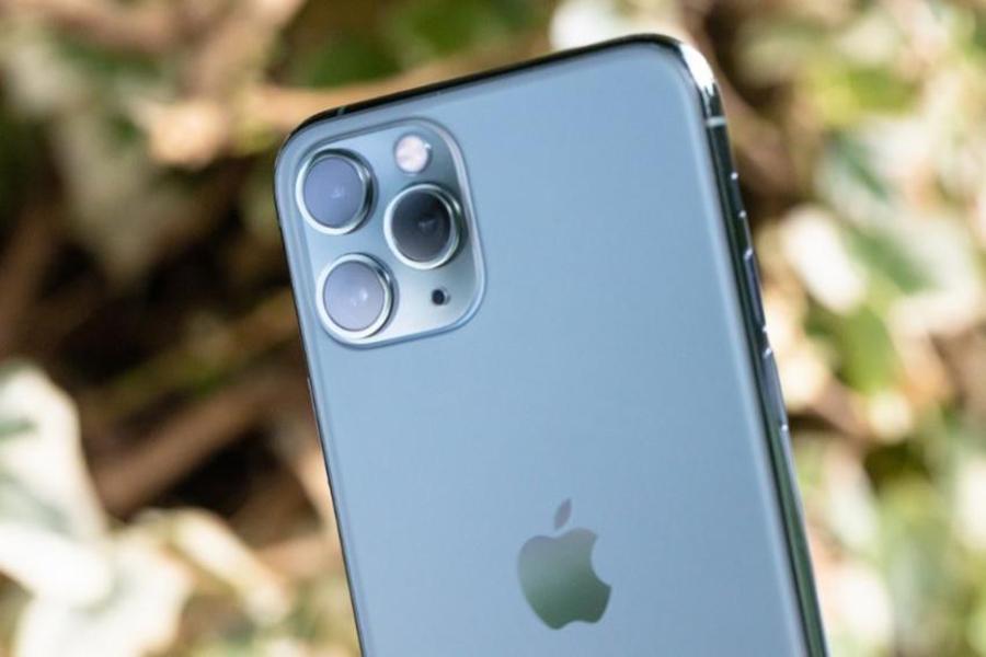 Призраки и НЛО: Владельцы новых iPhone 11 жалуются на свои смартфоны, которые начали снимать какую-то «чертовщину»