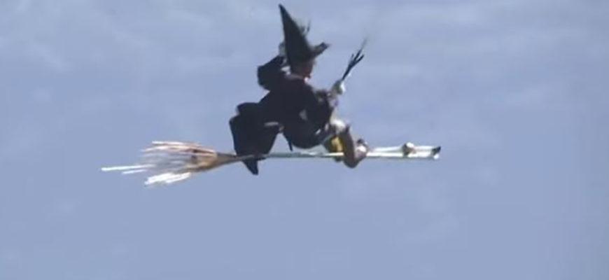 Ведьмы, гигантские утки, штурмовики из «Звездных войн»: над Альпами прошел Кубок Икара