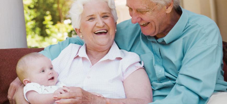 У 75-летней женщины родилась дочь от 80-летнего мужа