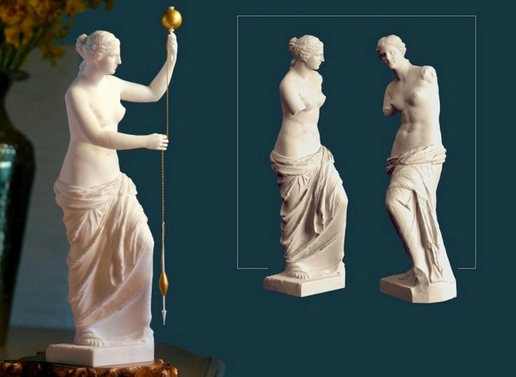 то могла держать в руках Венера Милосская