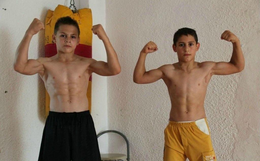 Джулиано Строе с братом