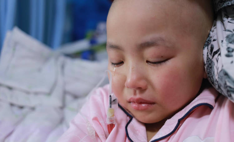 Заболевшая дочь китайского отца
