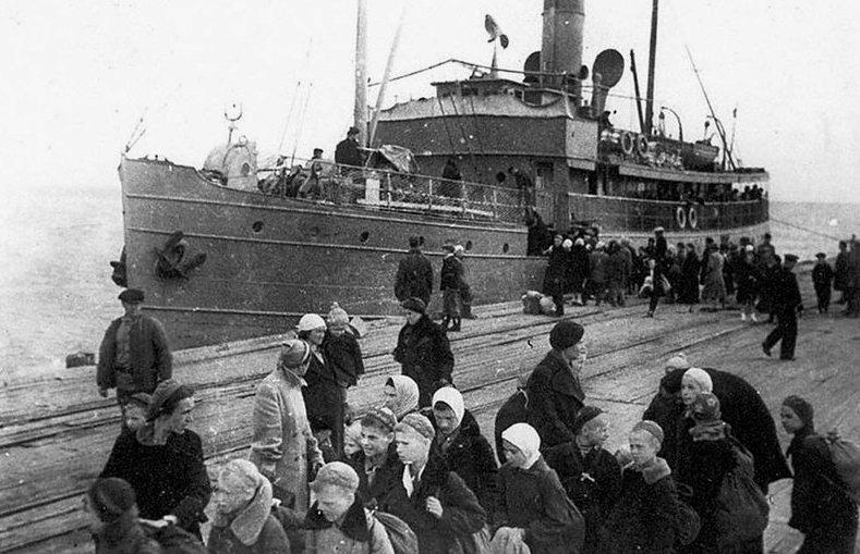 Эвакуация на корабль Армения