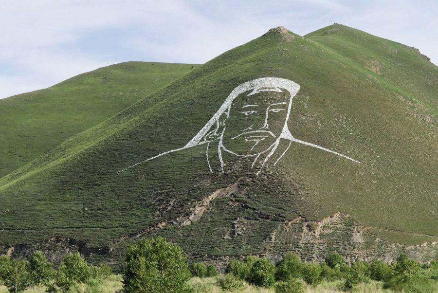Гора Богдо Хаан Чингисхан