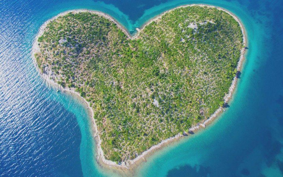 Хорватский остров в форме сердца
